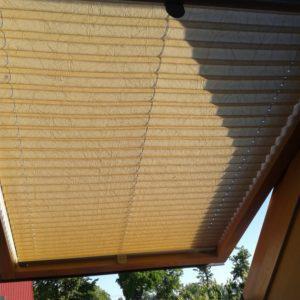 Żaluzja okna dachowego