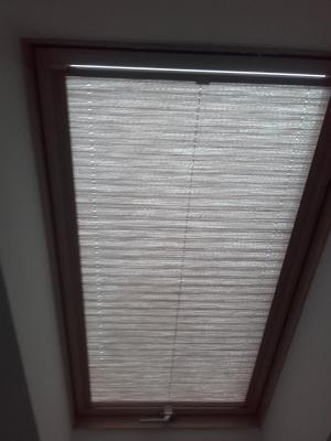 Rozwijana żaluzja dachowa